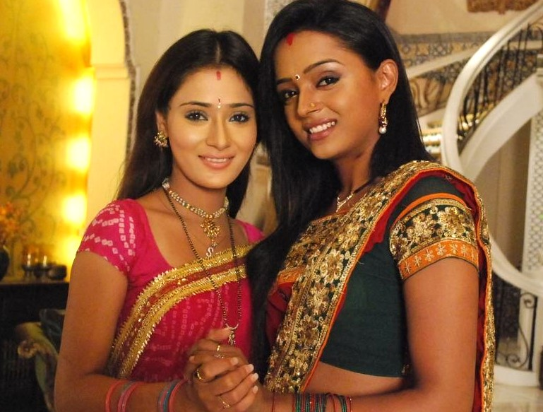 Sarah Khan and Parul Chauhan